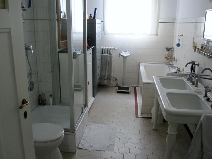 Badumbau: ursprünglicher Zusatand. Sanierung und Umbau Bad in Frankfurt